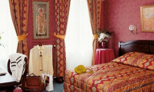 Double Rooms of the Hotel Royal Fromentin Paris